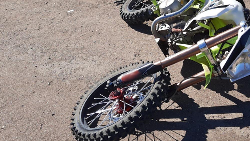 В Навле автомобилист сбил катавшегося на мотоцикле 12-летнего мальчика