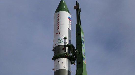 Первая космическая реклама Сбера: ракета-носитель «Союз-2.1а» отправилась на МКС с логотипом и флагом Сбера