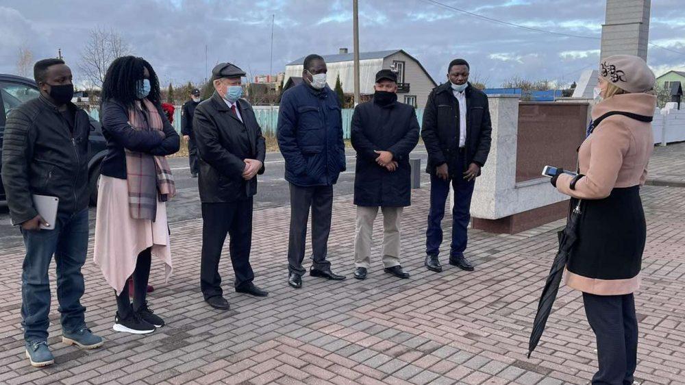 В Брянскую область на 3 дня прибыл посол Уганды в России Джонсон Агара Олва