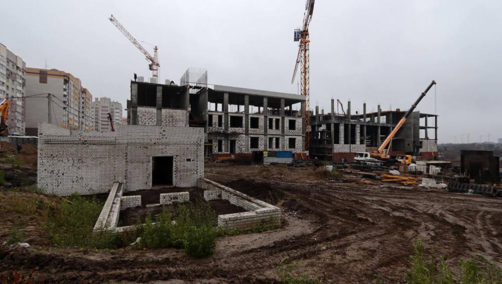 Новая школа в 4-м микрорайоне Брянска примет учеников 1 сентября 2022 года