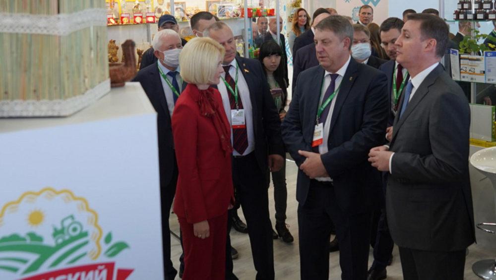 В первый день работы «Золотой осени» брянские предприятия получили 56 медалей