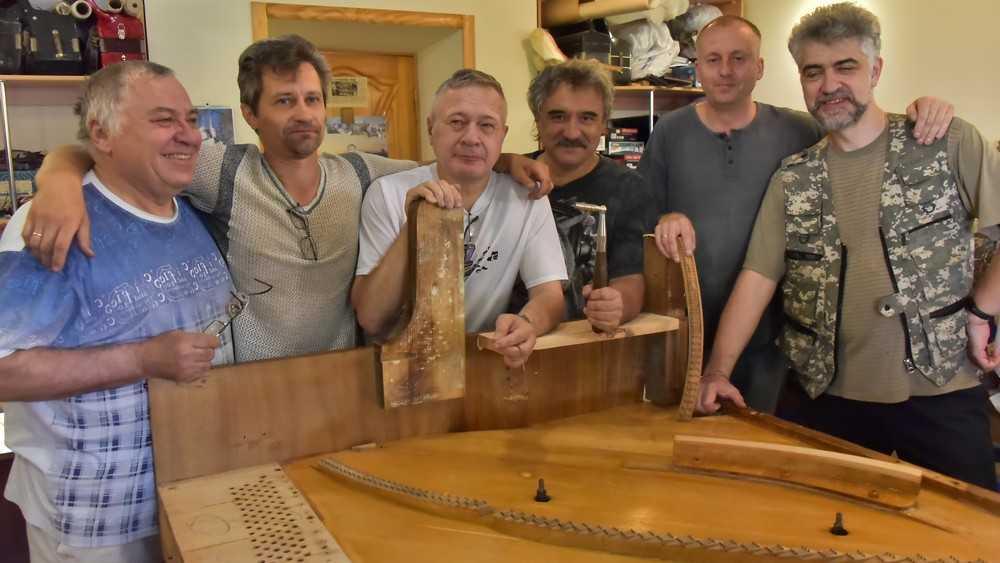 В Брянске кудесники звука вернут голос историческому фортепиано