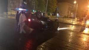 Ночью в Бежице на улице Литейной перевернулась иномарка