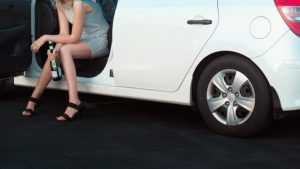 В Брянске женщина на Volkswagen протаранила ВАЗ и ранила водителя