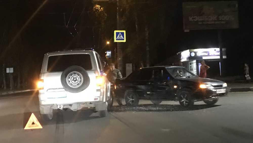 В Брянске полицейский УАЗ протаранила 41-летняя автомобилистка