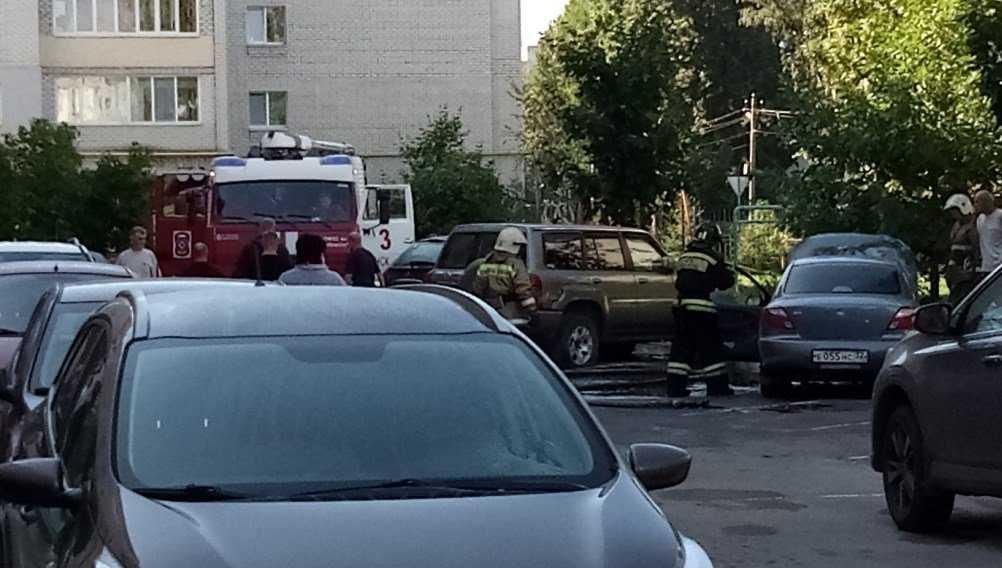 В Брянске назвали причину пожара в легковушке у «Пятёрочки»