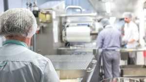 Может лучше не надо? Россиянам хотят раскрыть тайну изготовления колбасы