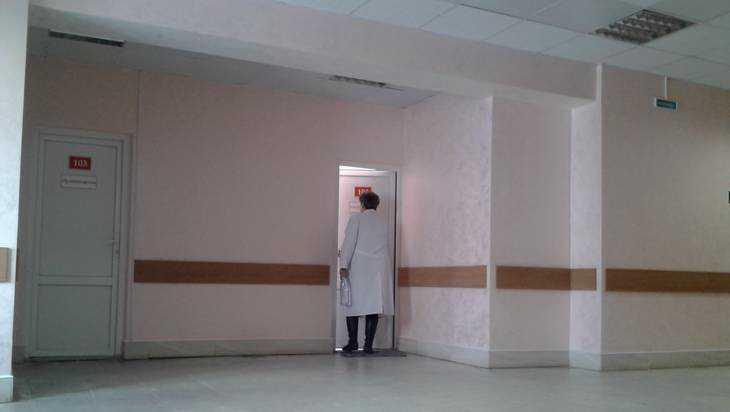 Житель Брянска за месяц так и не смог попасть на прием к доктору