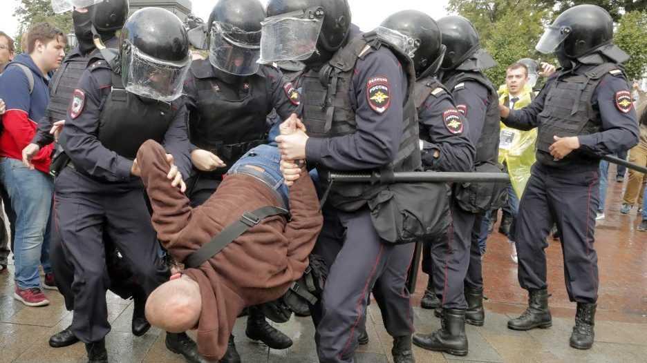 Либералы нашли оправдание участвующим в незаконных митингах