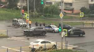 В Брянске столкнулись две иномарки – ранен 36-летний мужчина