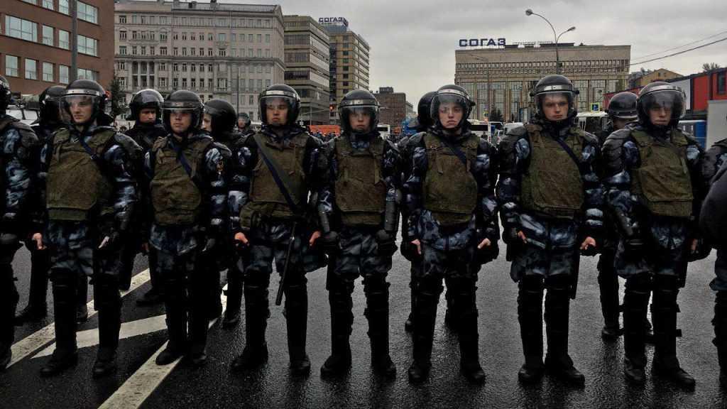 «Бить или не бить»: что делать с оппозицией на незаконных митингах?