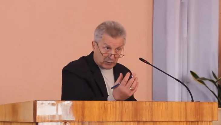 В Клинцах депутат попал под суд за избиение подростка
