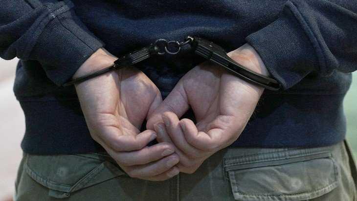 Уголовник украл у приютившего его брянца куртку и ноутбук