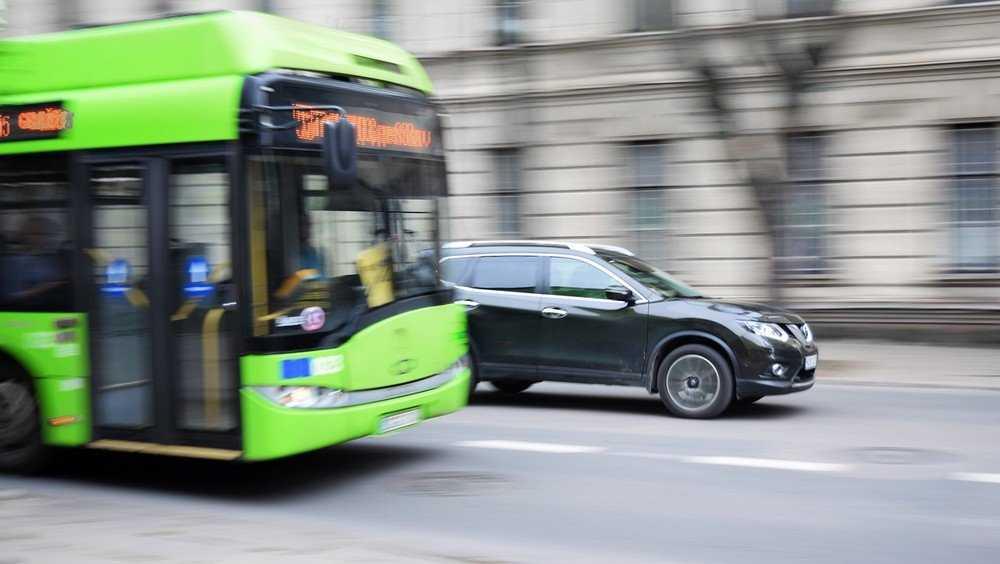 Жители Брянска попросили не добивать троллейбус