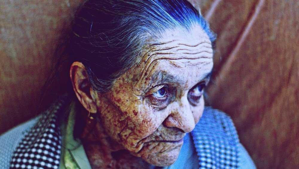 В брянской школе избили 90-летнюю бабушку