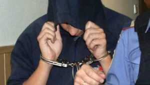 В Брянске полиция задержала напавшего на прохожую 19-летнего грабителя
