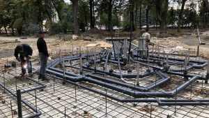 К фонтану Круглого сквера Брянска подвели сложную сеть водопроводов