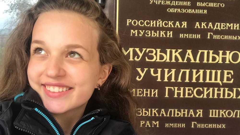 Песни брянской певицы Юлии Малиновой покорили слушателей интернет-радио
