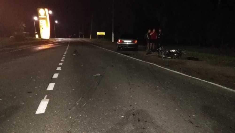 В Климове водитель без «прав» врезался в мопед с подростками