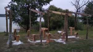 Жителей Погара возмутила выходка вандалов на Вадьковском озере