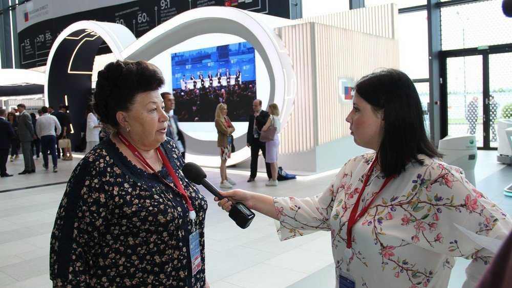 Президент наградил главного брянского финансиста Галину Петушкову
