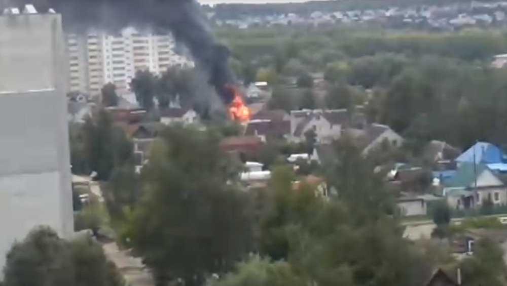 В Бежицком районе Брянска за 10 минут сгорел дом