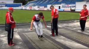Глава Брянска Хлиманков показал свой прыжок на стадионе «Динамо»