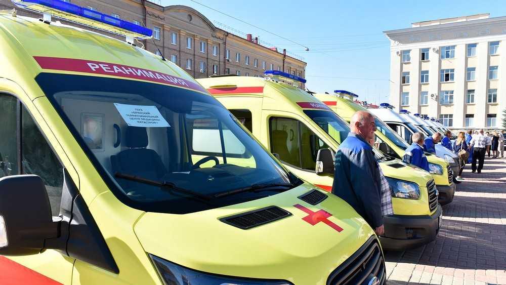 Брянские власти поставили цель избавить поликлиники от очередей