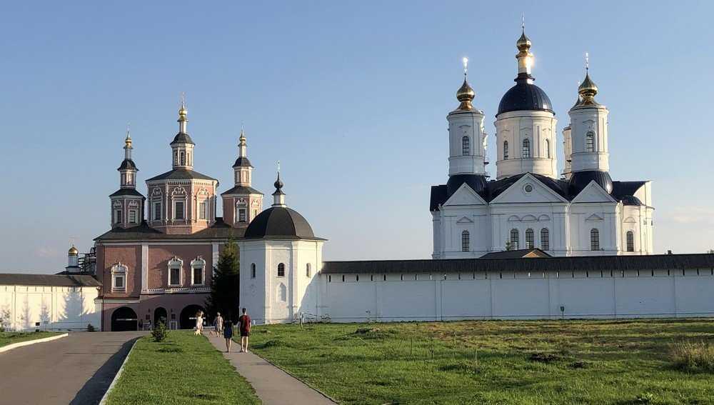 Свенскому монастырю перед приездом Патриарха понадобились волонтеры