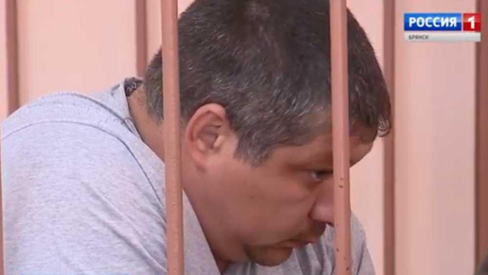 Появилось видео безумств пьяного майора брянской полиции