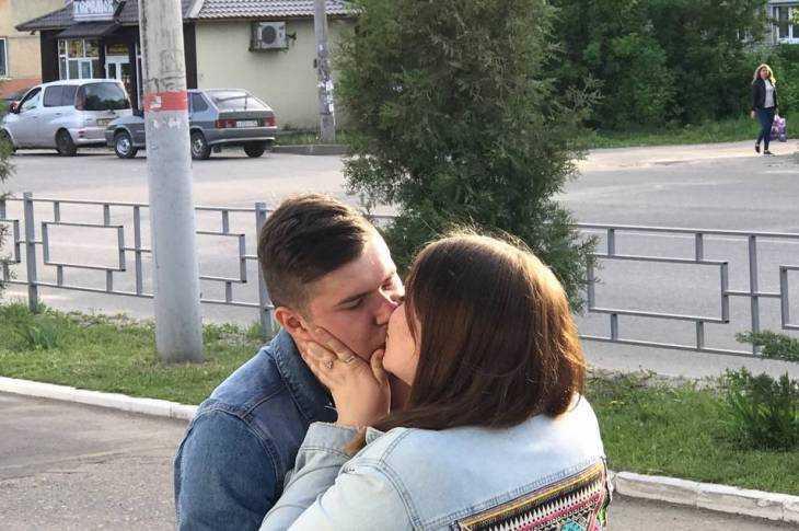 Поцелуй дня в Брянске
