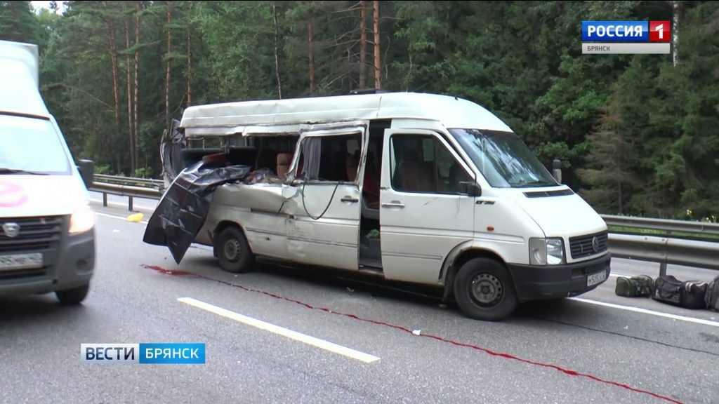 Брянский автобус попал в смертельное ДТП в Калужской области