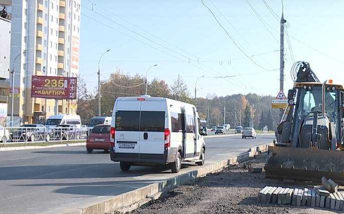 Работы по устройству тротуаров и ремонту парка железнодорожников в Брянске