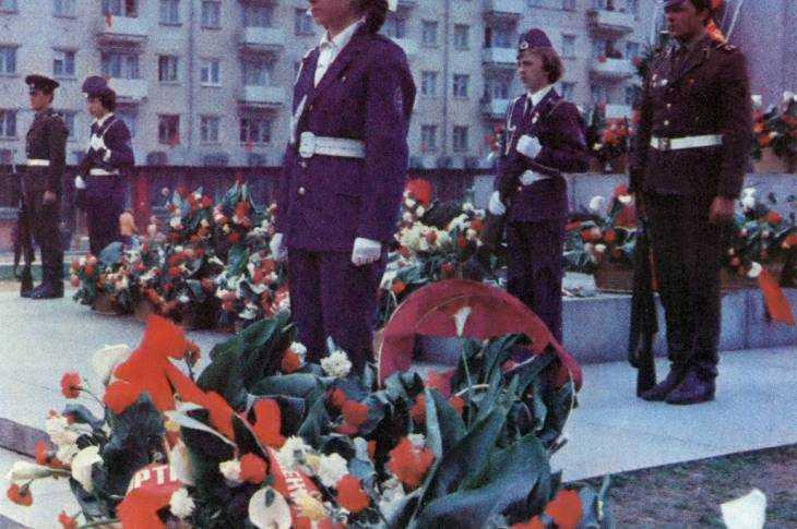Вахта Памяти на Площади Партизан